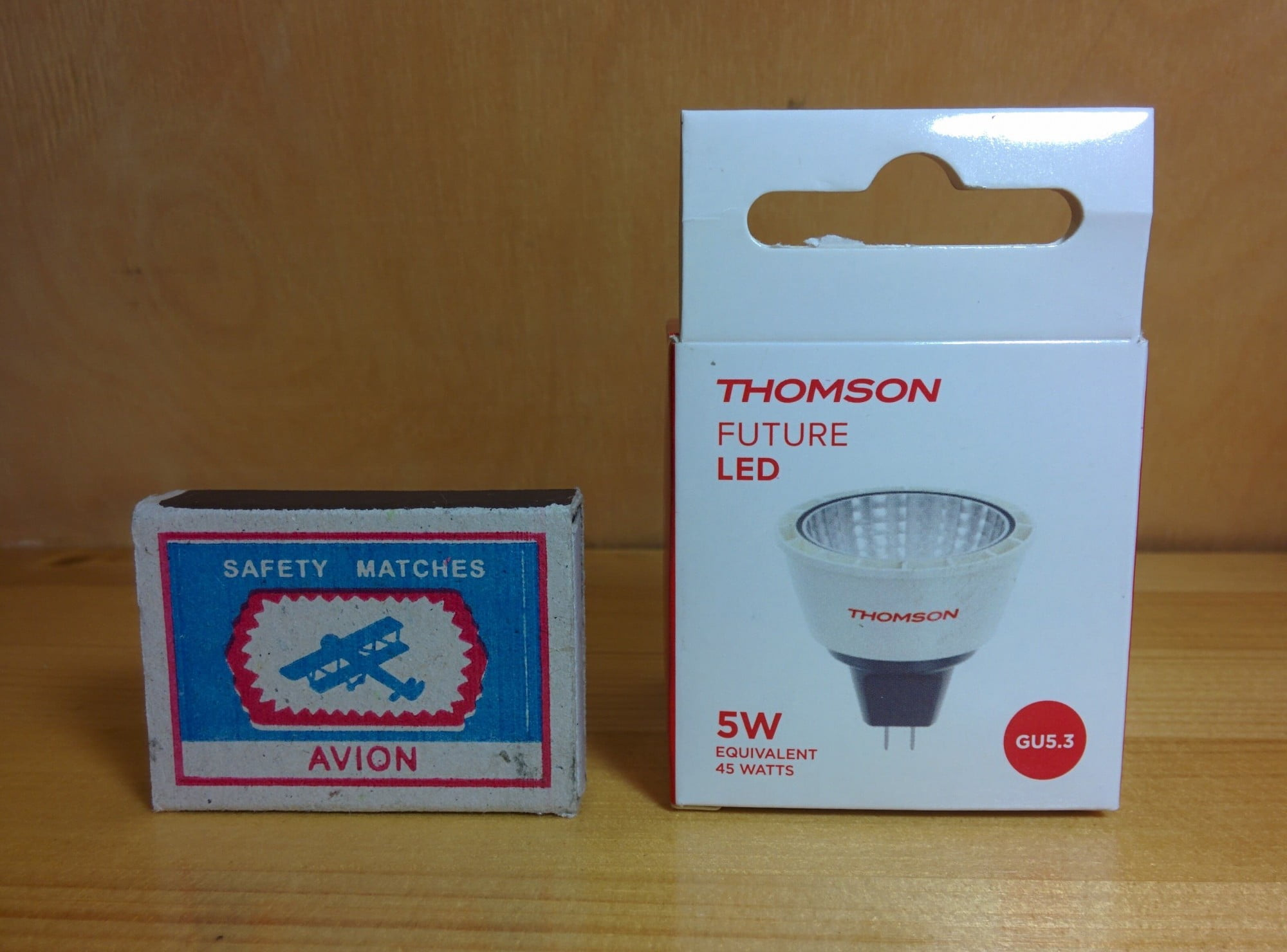 Thomson TL-MR16W-5W12V упаковка