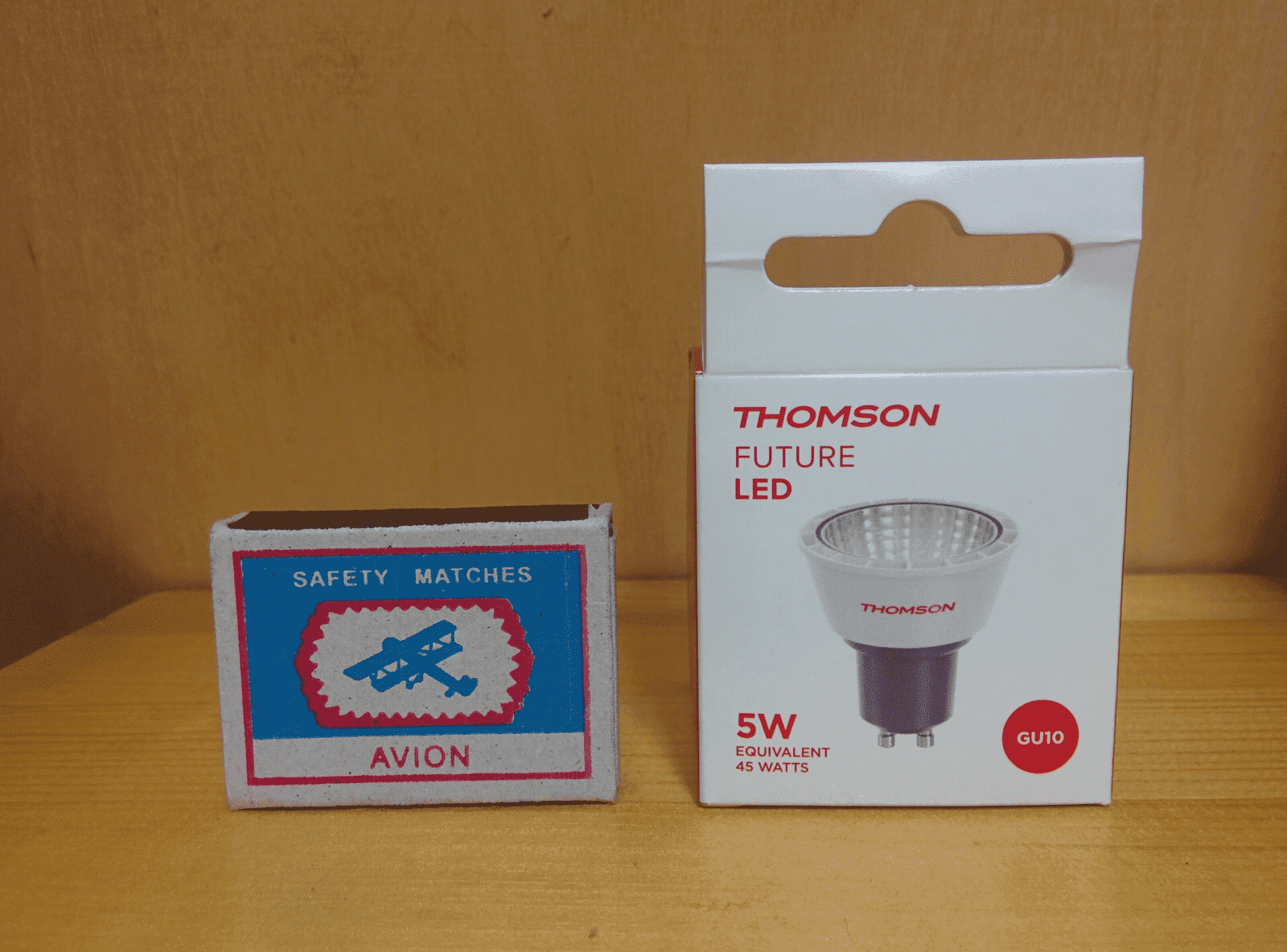 Thomson TL-MR16W-5W220V упаковка