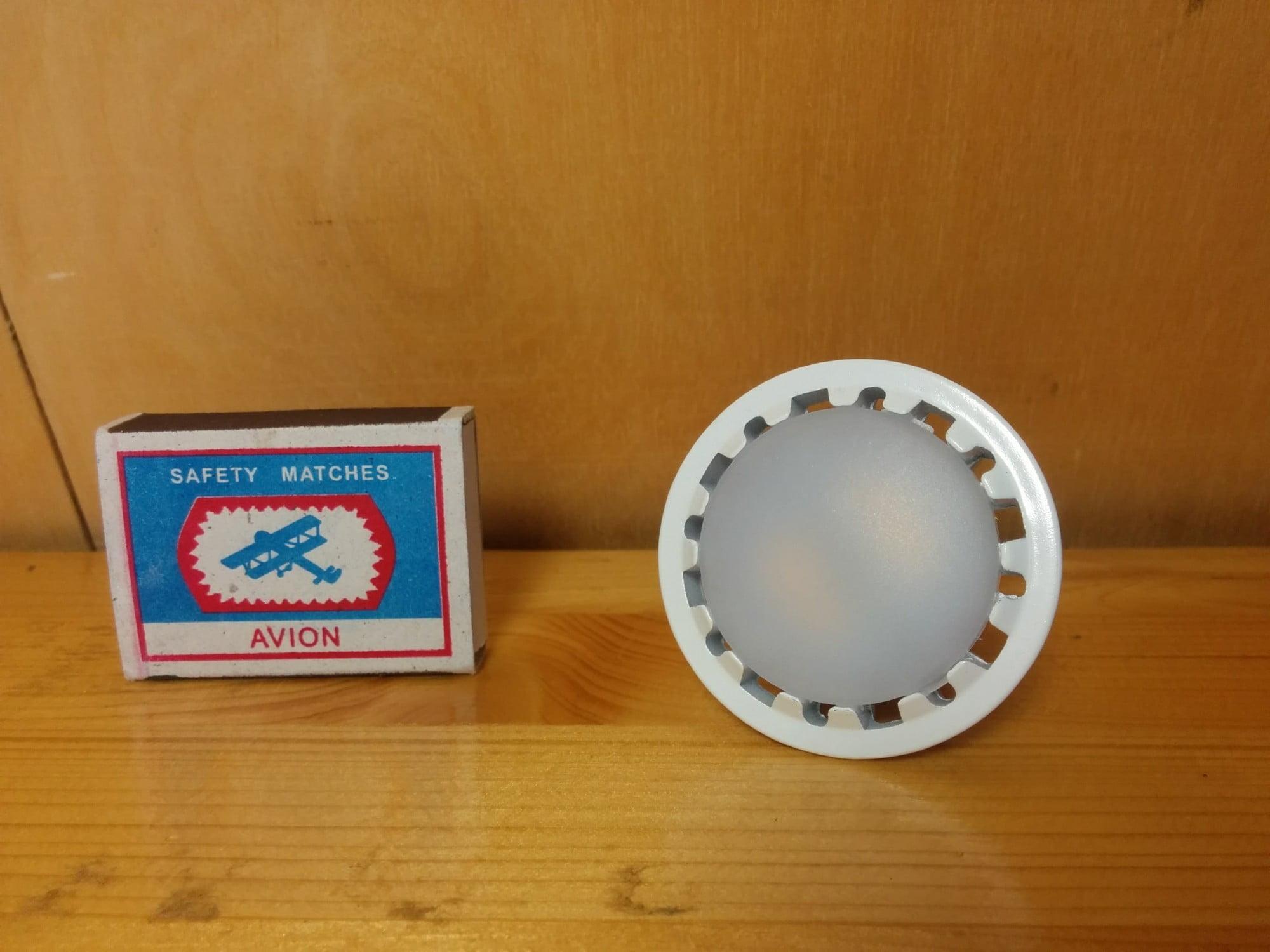 X-flash XF-SPL-GU10-6W-3000K-220V лампа
